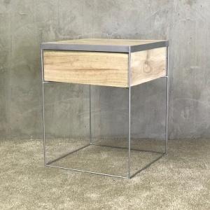 Moyo Pedestal 1